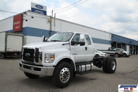 New 2019 FORD F-750 F7D