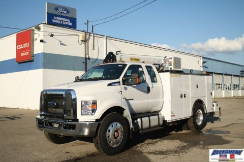 New 2018 FORD F-750 XL