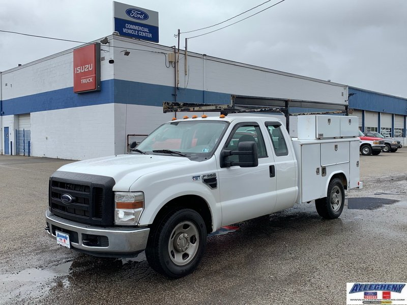 Pre-Owned 2009 Ford Super Duty F-350 SRW XL