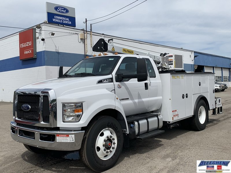 New 2019 FORD F750 X7D