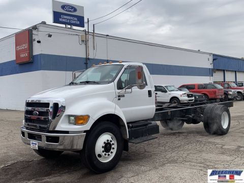 Pre-Owned 2015 Ford Super Duty F-650 Straight Frame Gas XL